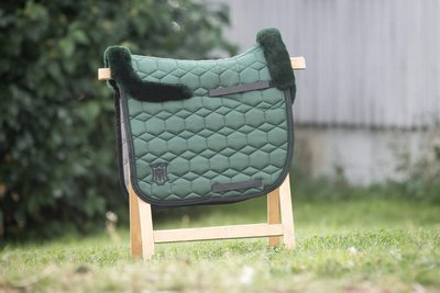 Square Dressuur Racing Green met wol Mattes